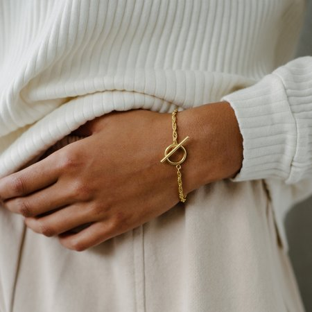 Kara Yoo Naya Toggle Bracelet - Gold