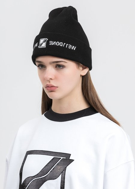 we11done Embroidered Logo Beanie - Black