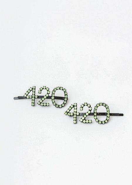 Ashley Williams 420 Hair Pin