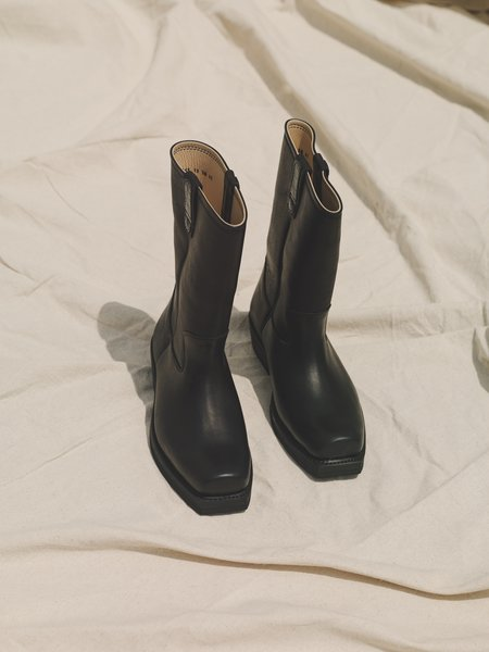 Our Legacy Leather Flat Toe Boot - Black