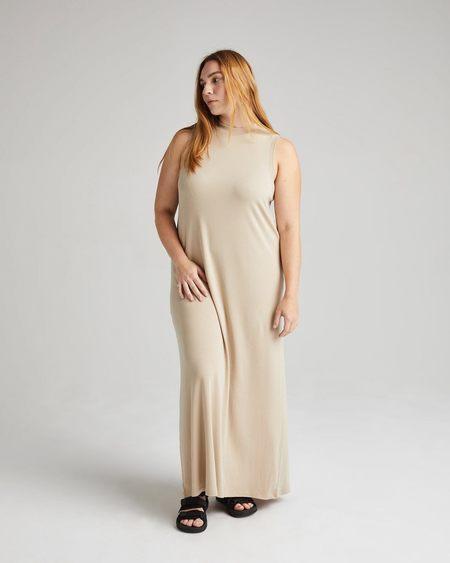 Richer Poorer Vintage Rib Column Dress - Sandstone