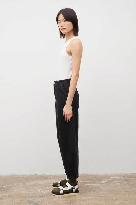 Kowtow Sculptor Jeans - black