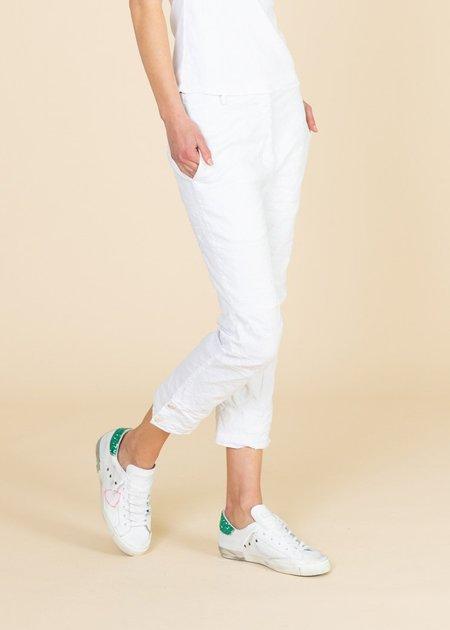 Aequamente Crop Chino - White