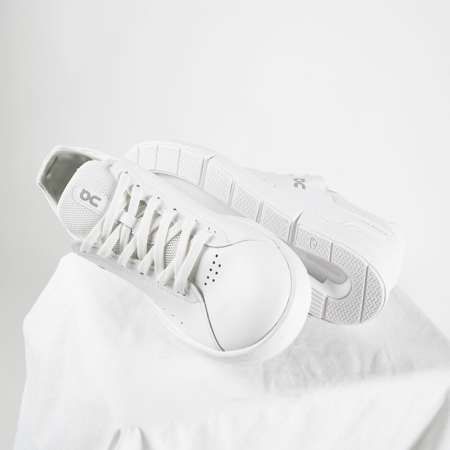 On Shoes The Roger Advantage Men 48.99456 shoes - All White