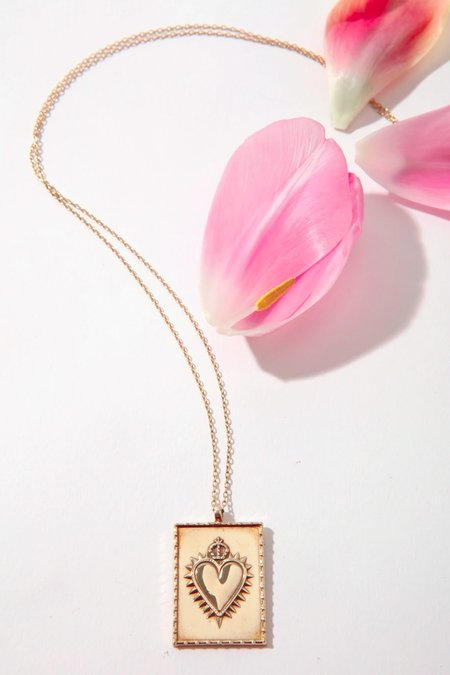ILD Queen and Tulip Heart Pendant Necklace