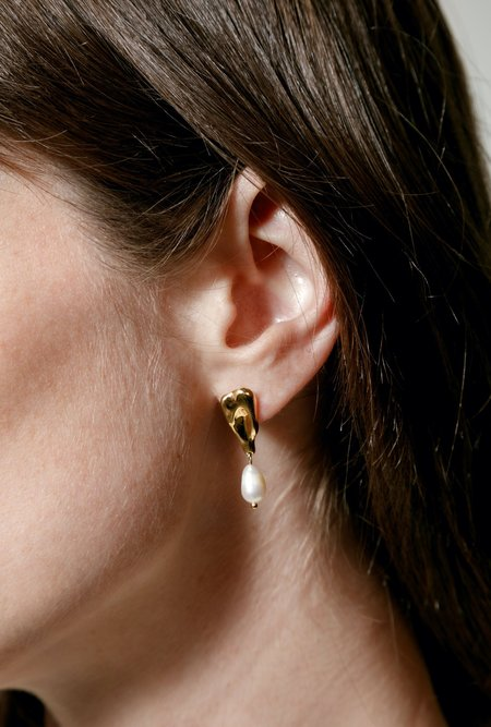 Wolf Circus Gala Earrings - 14k gold-plated