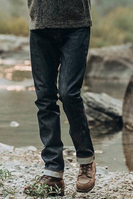 TAYLOR STITCH Cone Mills Reserve Denim Slim Jeans - blue