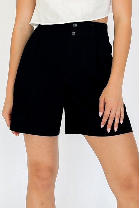 Vintage High Rise Pleated Shorts - black