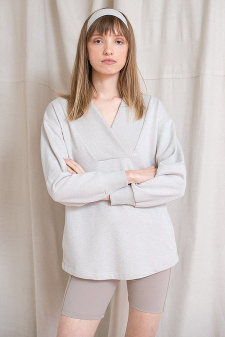 LOCLAIRE Turtle Jumper - Oatmeal