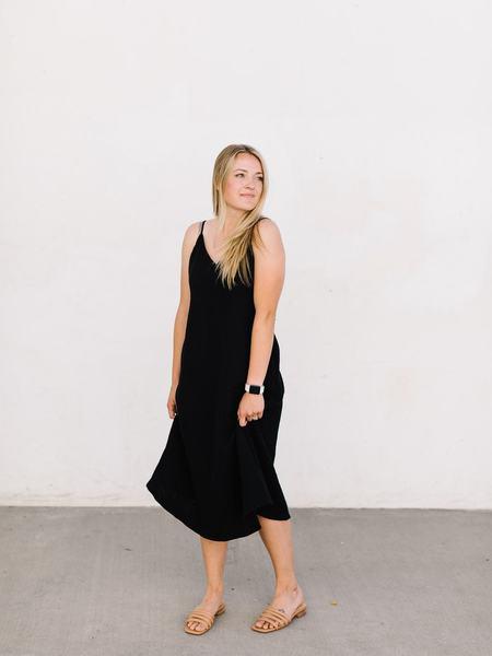 Pinch Gauze V-neck Dress - Black