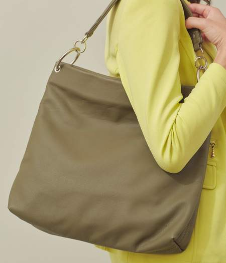 Clyde World Bag - Olive Green Leather
