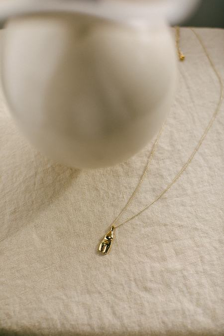 Wolf Circus The Woman Vase Necklace - Gold