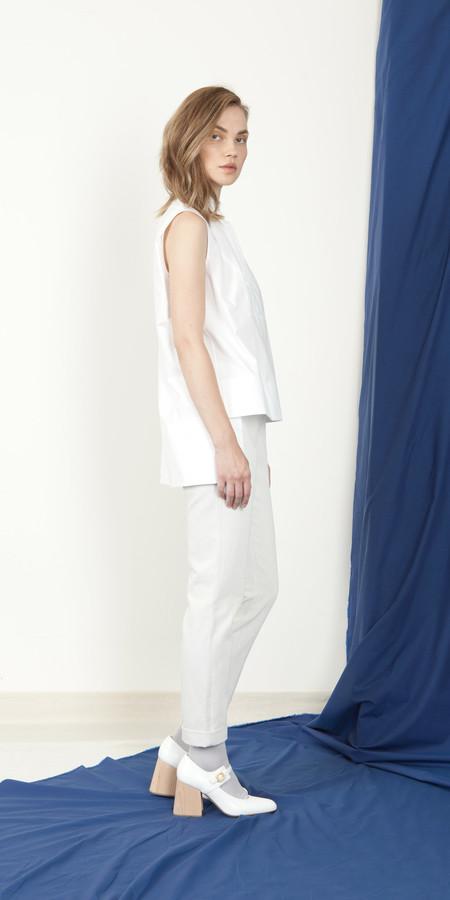 Schai Sleeveless Tux Shirt - White