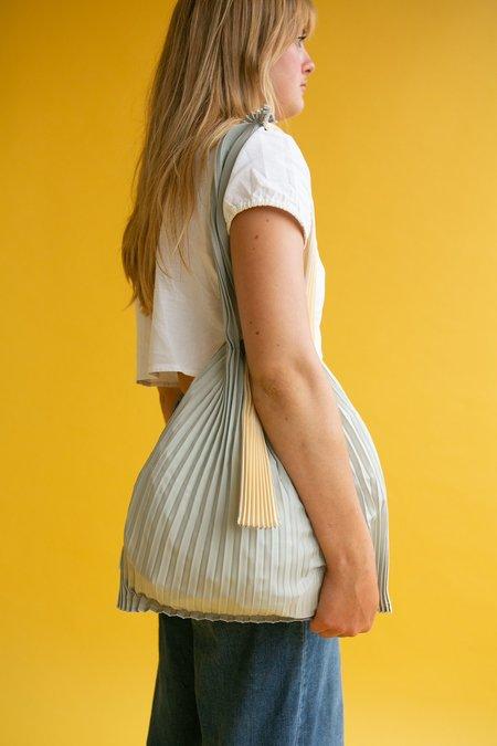 WOLF & GYPSY VINTAGE Pleco Pleated Shoulder Bag - Silver/Beige
