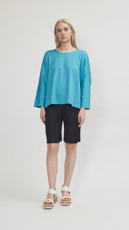 Issey Miyake Easy T - Turquoise Blue