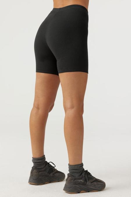 Joah Brown Mid-length Short - Black Flexrib