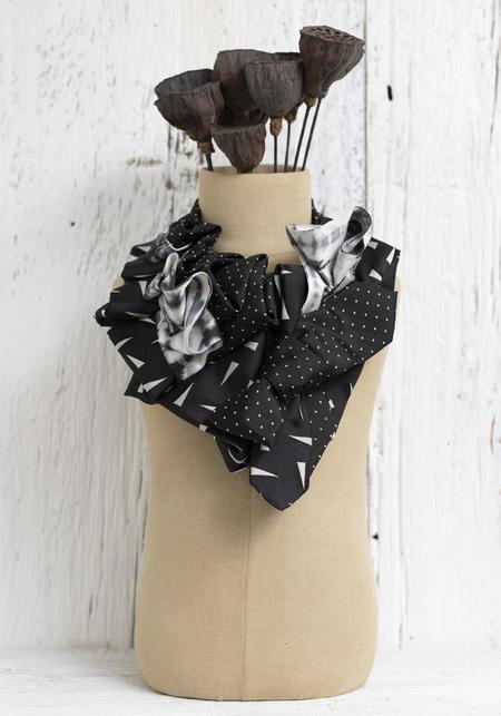 Lilian Asterfield Summer Storms Color Wash Silk Ascot necklace - black/white