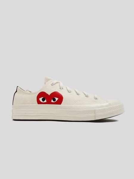 Unisex Comme des Garçons Play x Converse Chuck Taylor Sneaker - Beige
