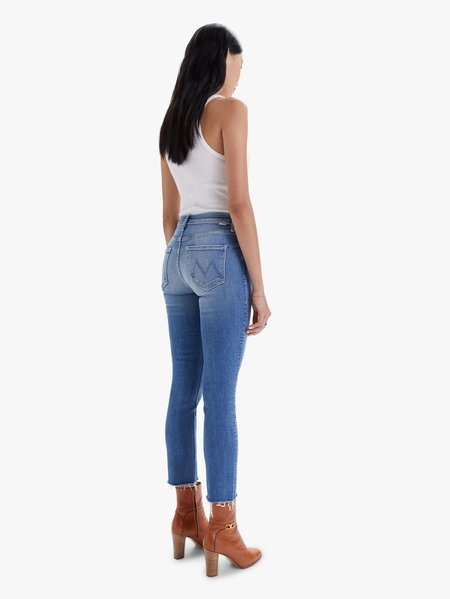 Mother Denim Riding The Cliffside Mid Rise Dazzler Ankle Fray Jean - blue