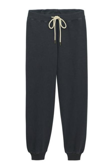 The Great. The Cropped Sweatpant - Washed Black