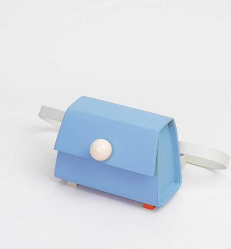 MATTER MATTERS Mini Trapezoid belt bag - Light blue