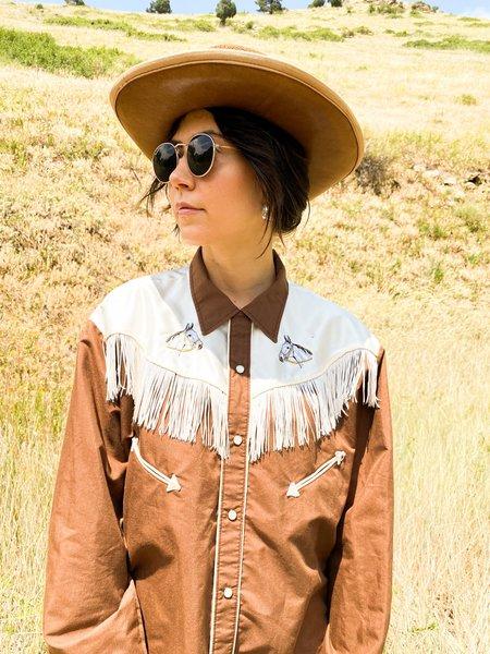Vintage & Pre-loved HORSE GIRL FRINGE PEARL SNAP WESTERN SHIRT - Brown/White
