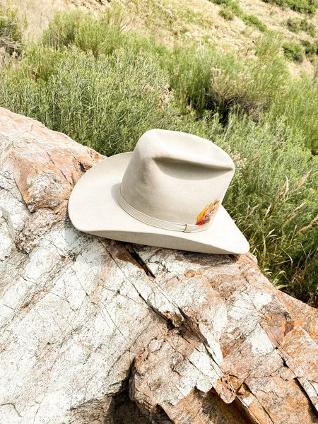 Vintage & Pre-loved FEATHER FORAGER COWBOY HAT- CREAM