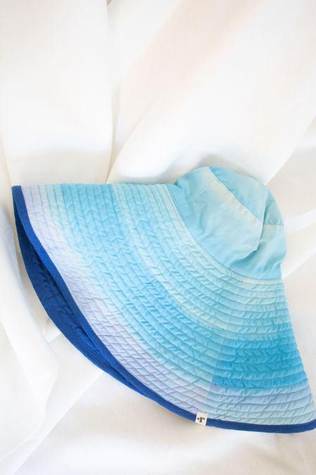 Romualda Agua Grande Hat - Blue