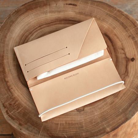 Building Block Envelope Wallet Nude