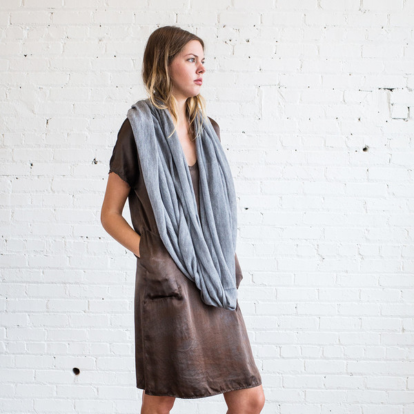Schai Infinity Feather Cashmere Scarf Concrete