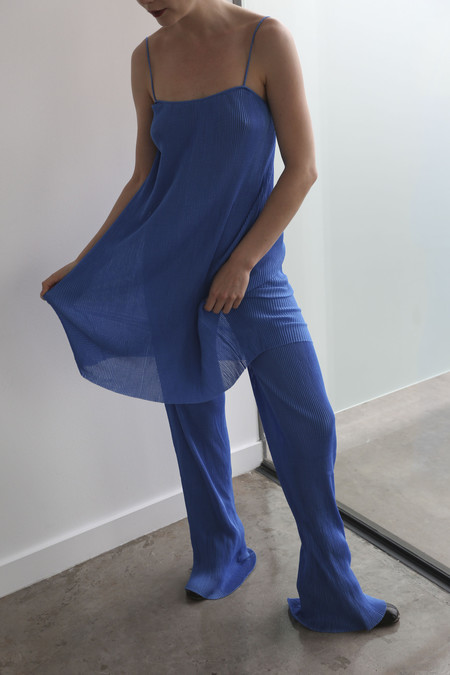 PRISCAVera Silk Pleated Seamless Pant in Cyan