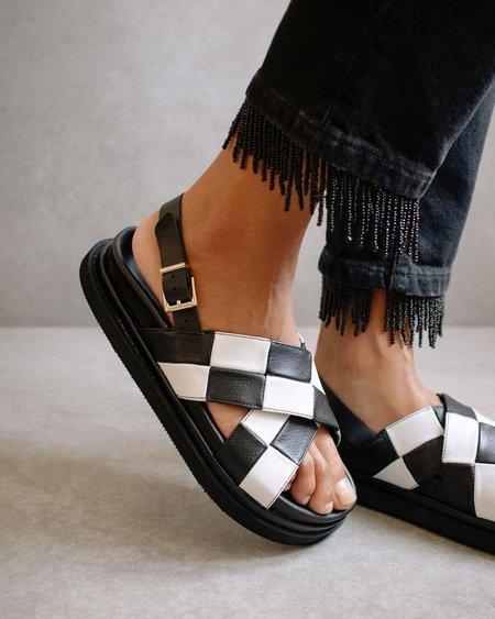 Alohas Marshmallow Scacchi sandals - Black/White