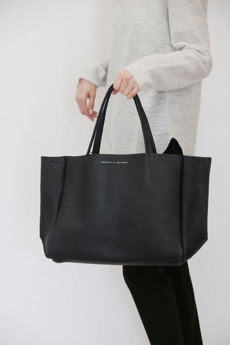 AMPERSAND AS APOSTROPHE SIDEWAY TOTE BUFFLO INK