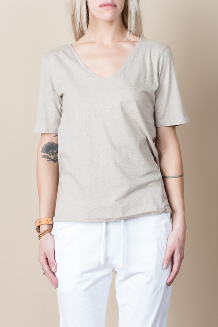 Kowtow Building Block V Tee In Oatmeal