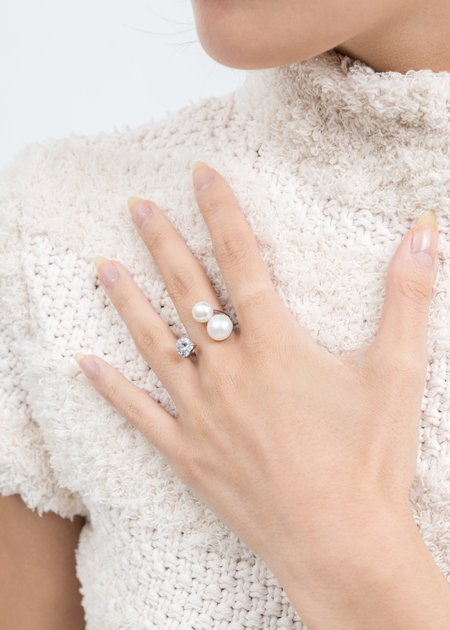 DEPARTMENT Rhinestone And Pearl Ring - Silver