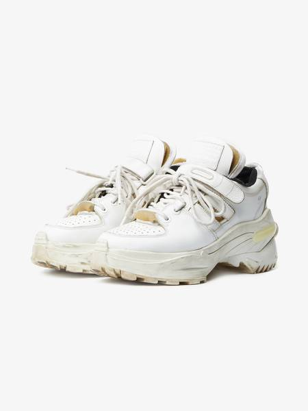 pre-loved Maison Margiela Retro Deconstructed Sneakers - white