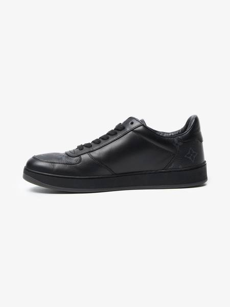 PRE-LOVED Louis Vuitton Leather Logo Printed Low Top Sneakers - black
