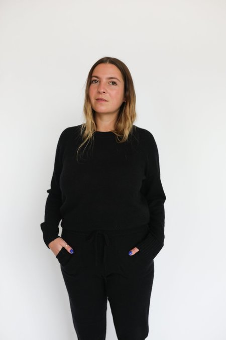 White + Warren Cashmere Crew Neck Sweater - BLACK