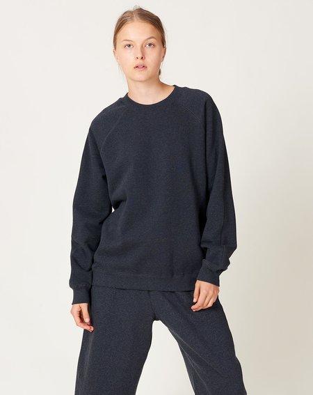 UNISEX Kowtow Everyday Crew sweater - Charcoal Marle