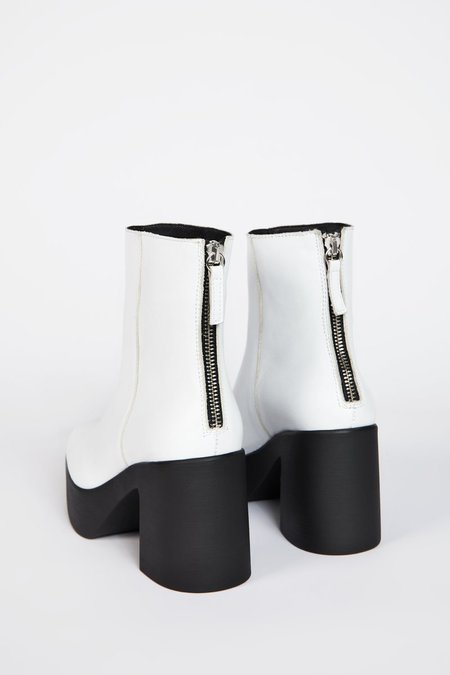 """""""INTENTIONALLY __________."""" DRUE 3.0 boots - White"""