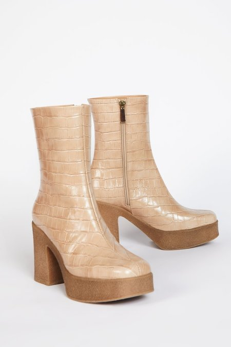 """INTENTIONALLY __________."" NEURO boots - Ojai"