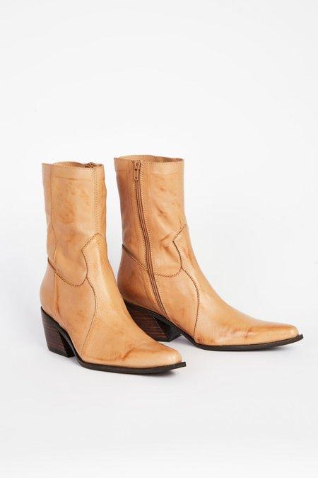 """INTENTIONALLY __________."" MATTIE boots - Tan"
