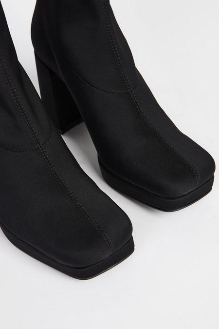 """""""INTENTIONALLY __________."""" WHO ME 2 boots - Black"""