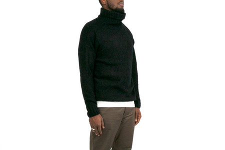 Chapter DOSE TURTLENECK SWEATER - BLACK