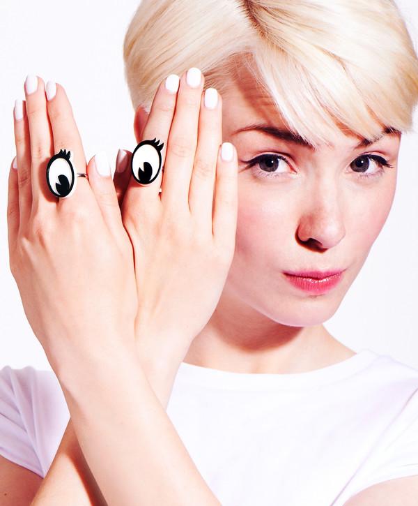 Tatty Devine CartOOn Eyes Rings