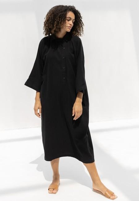 BLACK CRANE HENRY DRESS - BLACK