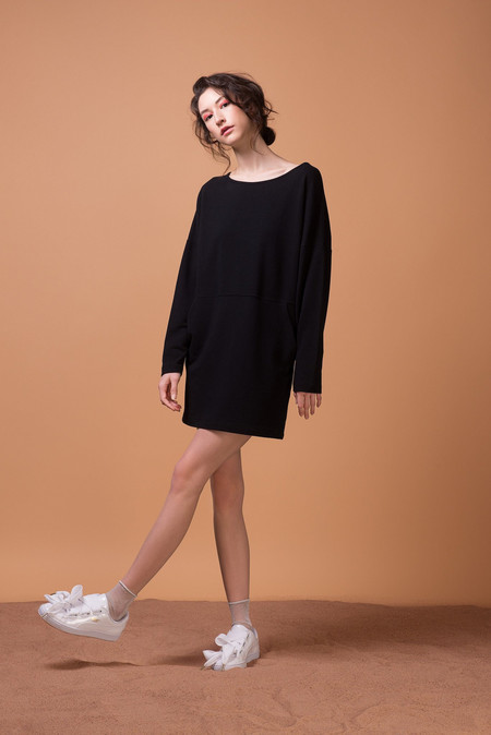 Odeyalo SIMONE LONG SLEEVE BLACK DRESS