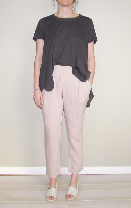 7115 by Szeki Gather Linen Trouser