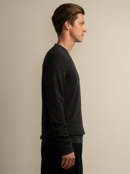 PURECASHMERE NYC Men V Neck Sweater - Graphite