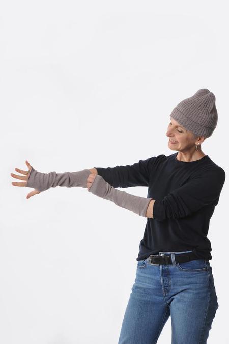 Oyuna Dawn Lecca Fingerless Gloves - dusty lavender